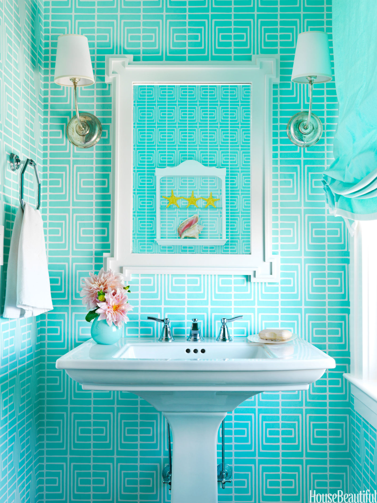 Color decorating ideas colorful interior design for Colorful bathroom decor