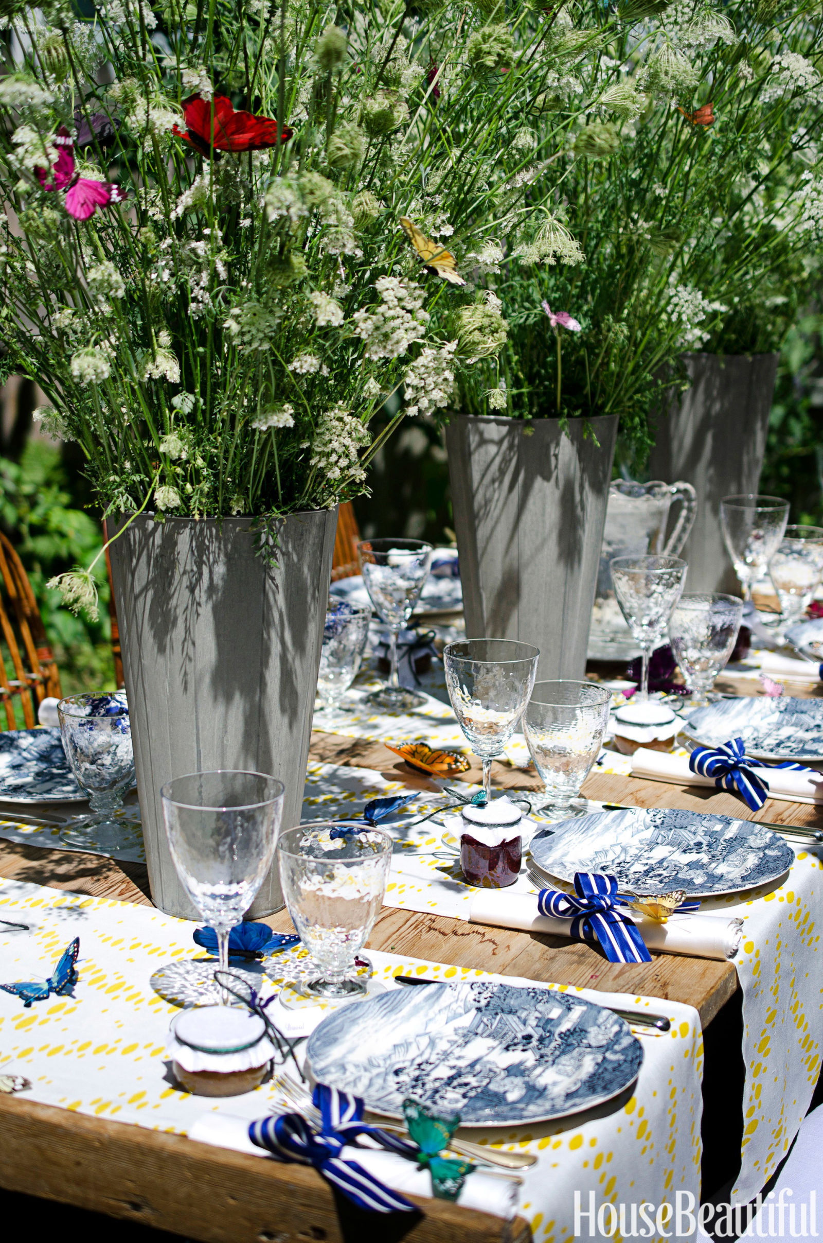 spring table setting ideas - spring tablescapes