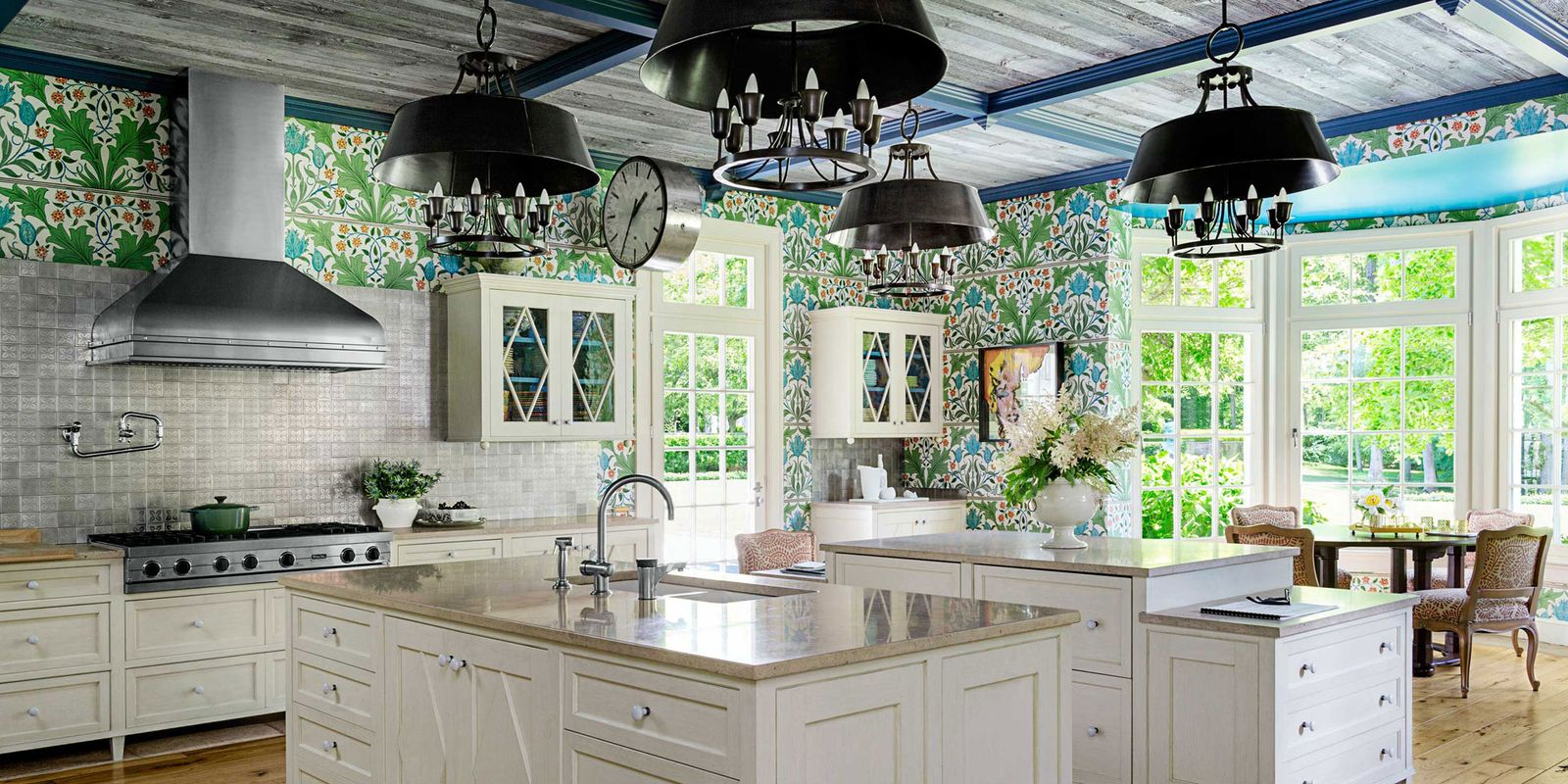 William morris wallpaper kitchen stephen sills kitchen for Wallpapered kitchen ideas