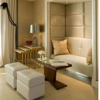 Paint For Small Spaces. Awesome Luxurious Wall Art On White Wall ...