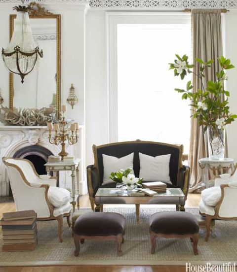 Beautiful Living Rooms: Antique Decorating Ideas