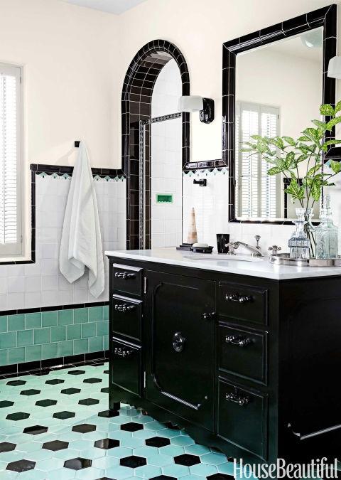 Bathroom with colorful tile 1930s bathroom design for 1930 style bathroom ideas