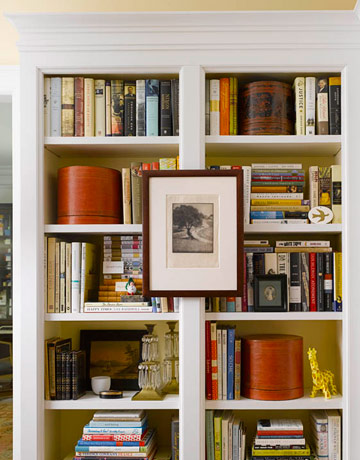 the shelves decorated - How To Decorate Bookshelves