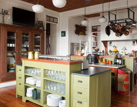 designer kitchen in georgia - old fashioned style