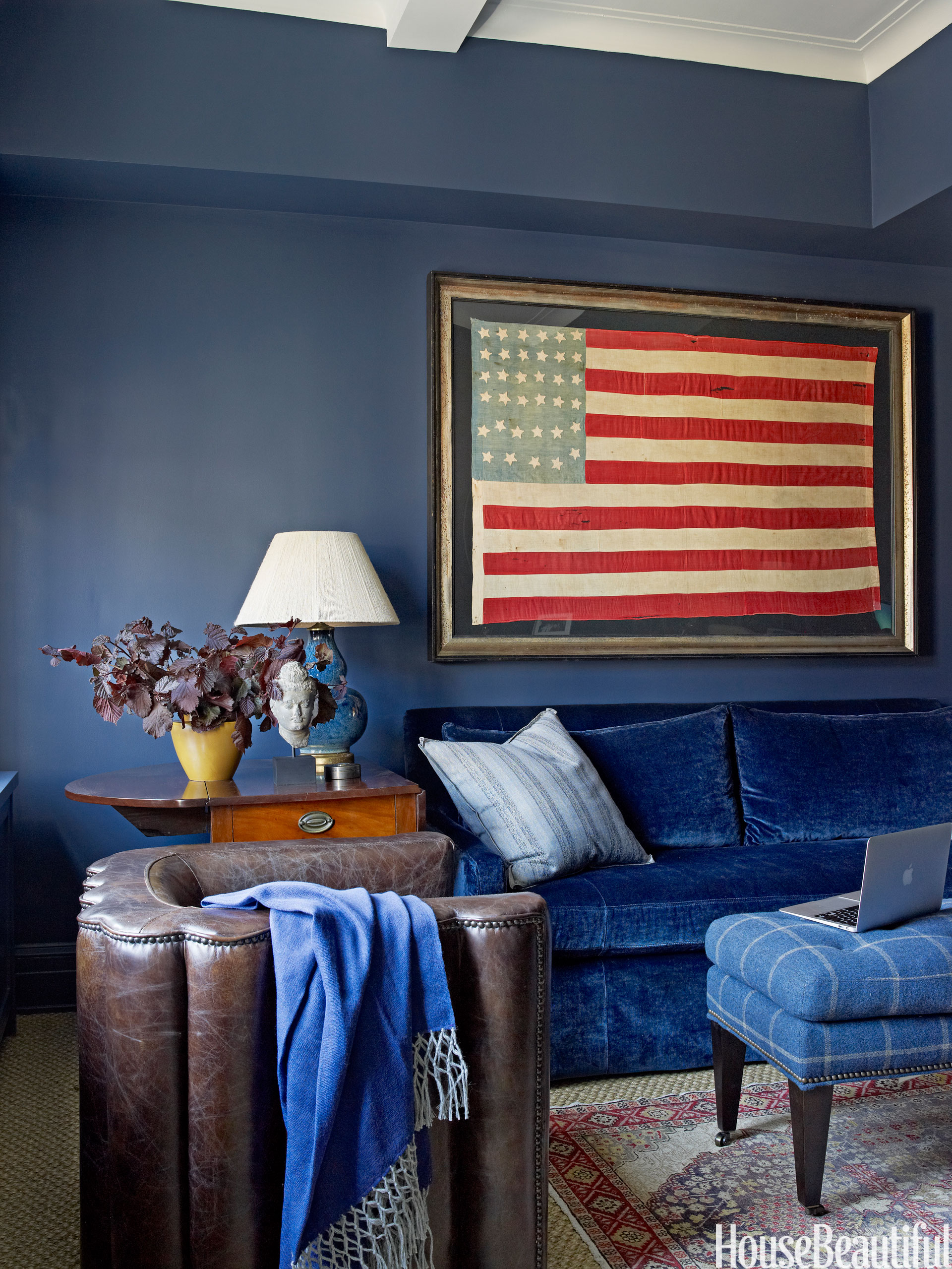 Patriotic decor for 4th of july red white and blue for Room design usa