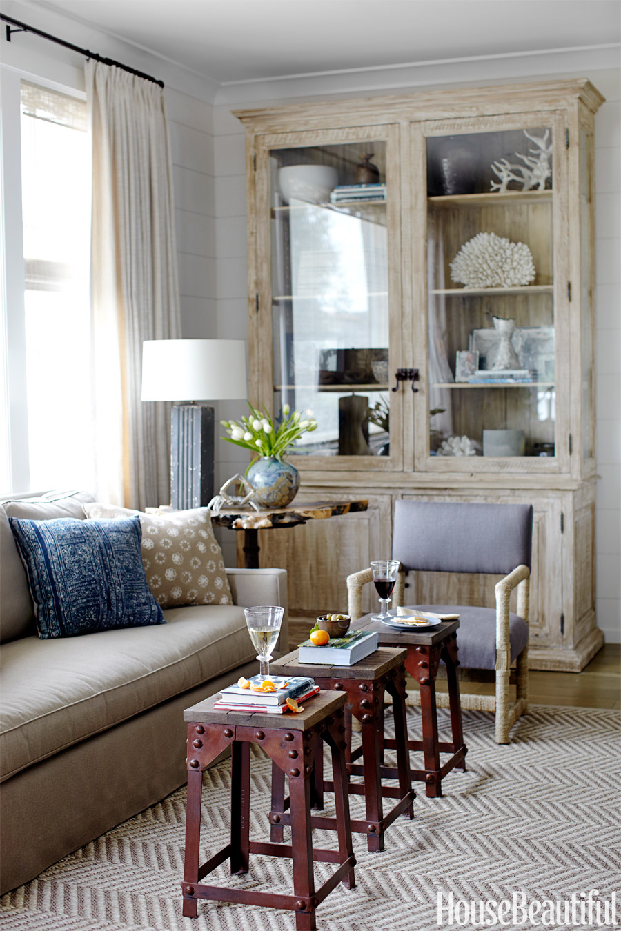 Small Accent Table Ideas - Best Small Tables for Living Rooms