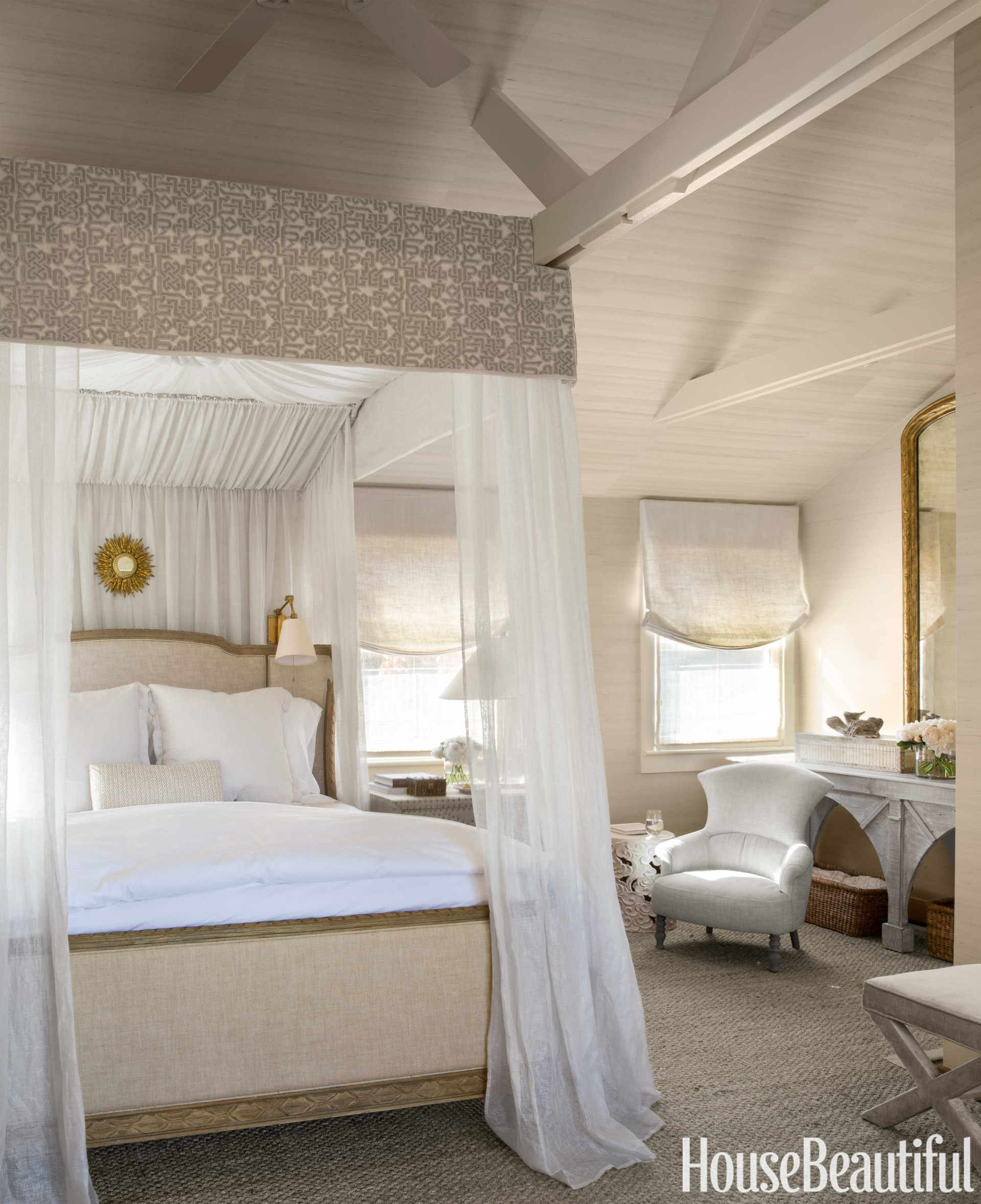 Rooms With Canopy Beds