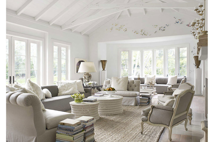 White rooms decor ideas decorating with white for Modern french country design