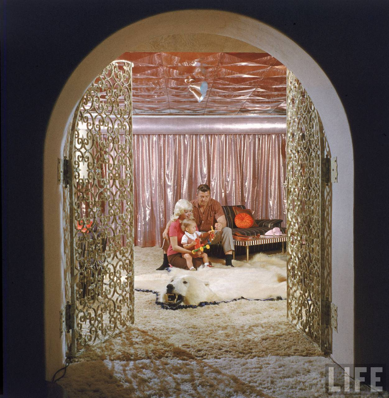 Jayne Mansfield Pink Palace Actress Jayne Mansfield