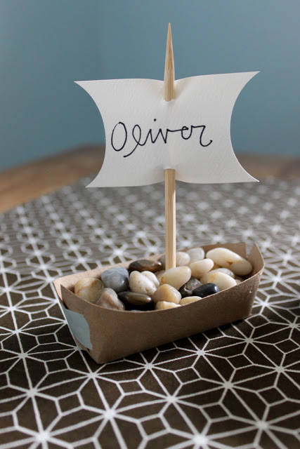 20 DIY Thanksgiving Place Cards - Ideas for Holiday Place ...