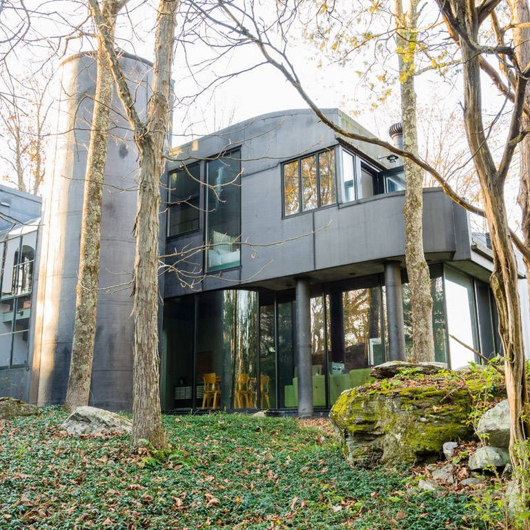 Home Tour Christian Siriano S Connecticut Home: Celebrity Homes Airbnb