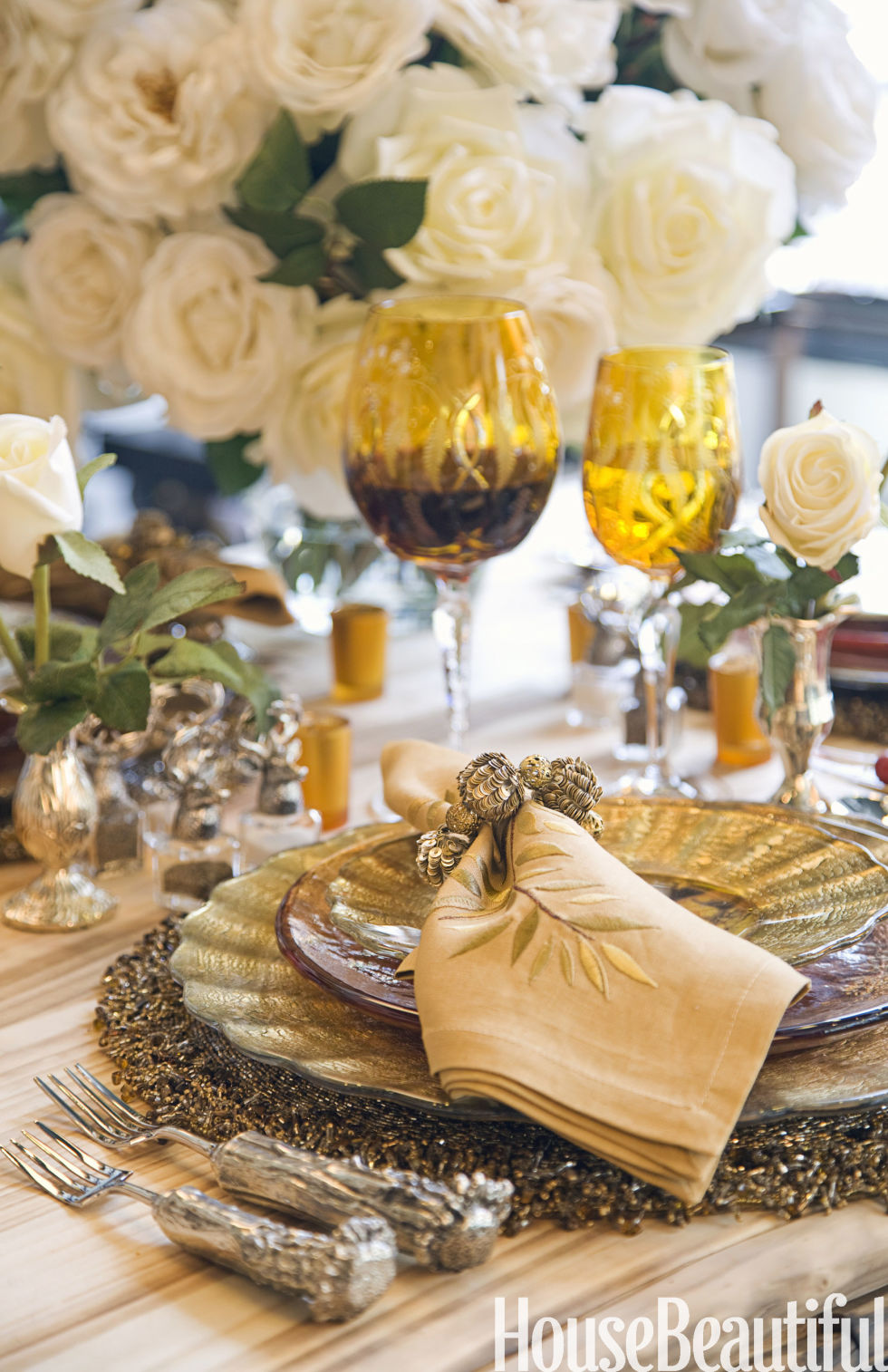50+ table setting decorations & centerpieces – best tablescape ideas