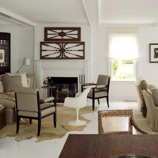 Minimalist Design Meets Primitive Furniture.