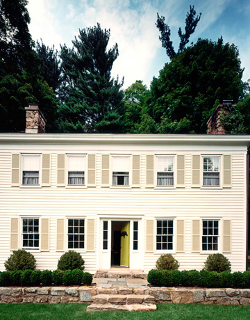 ... creates a chic design in a small 1820s Colonial home in New Jersey