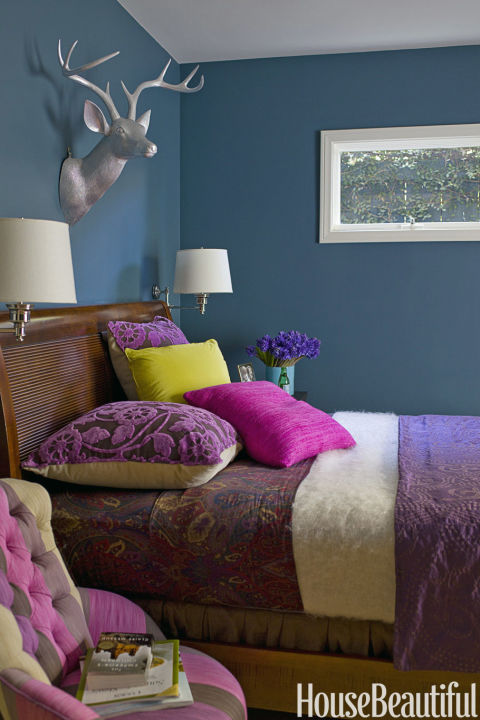 teal bedroom walls - How To Decorate A Small Bedroom