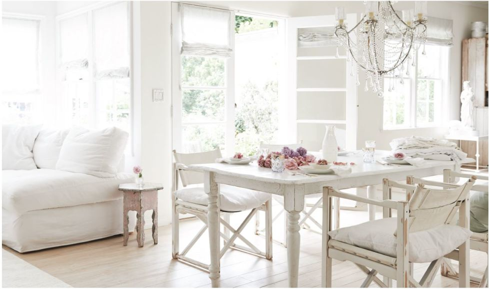 Home Decor Inspiration: White Dining Tables {12 lovelies}