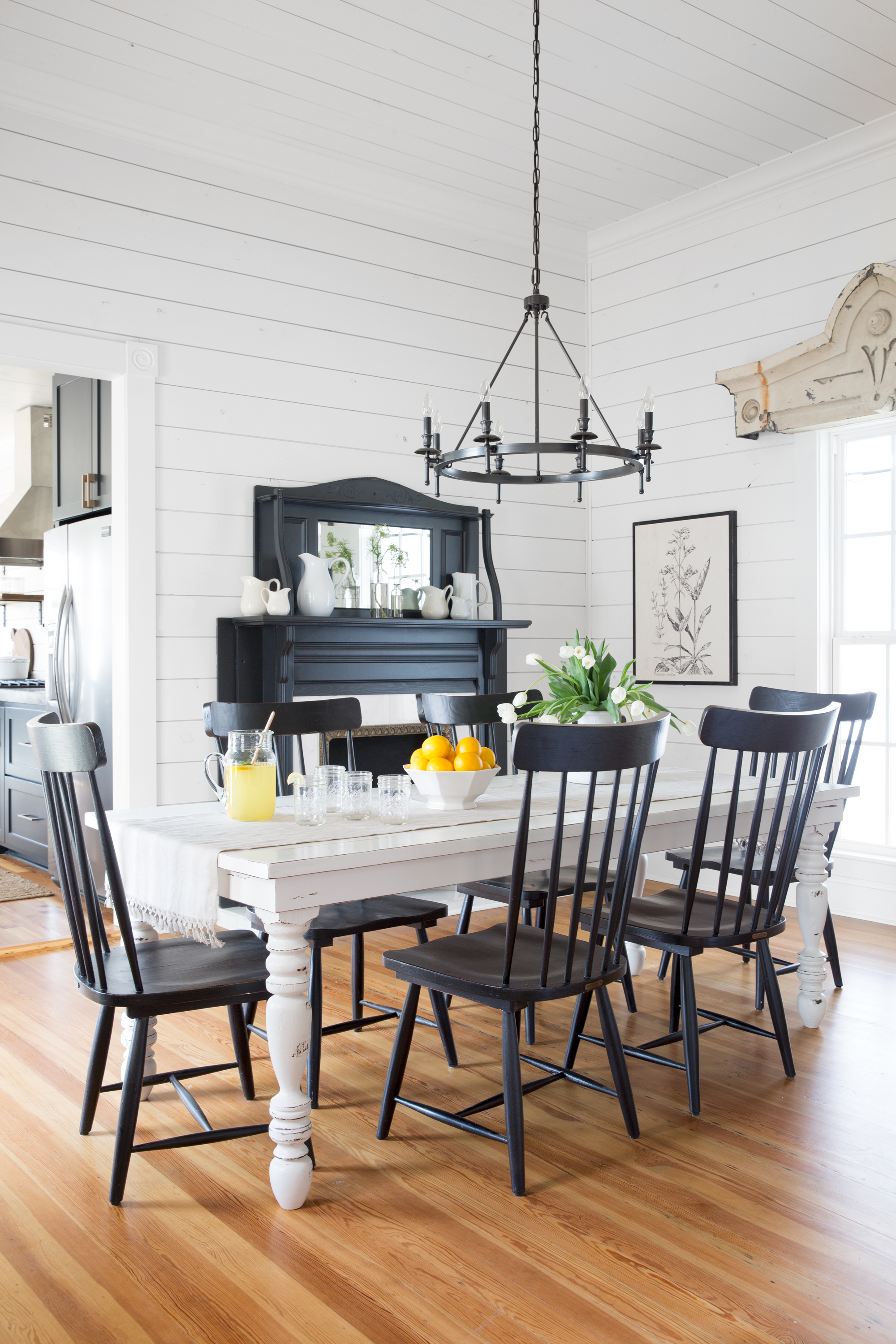 Chip and Joanna Gaines Magnolia House B&B Tour - Fixer ...
