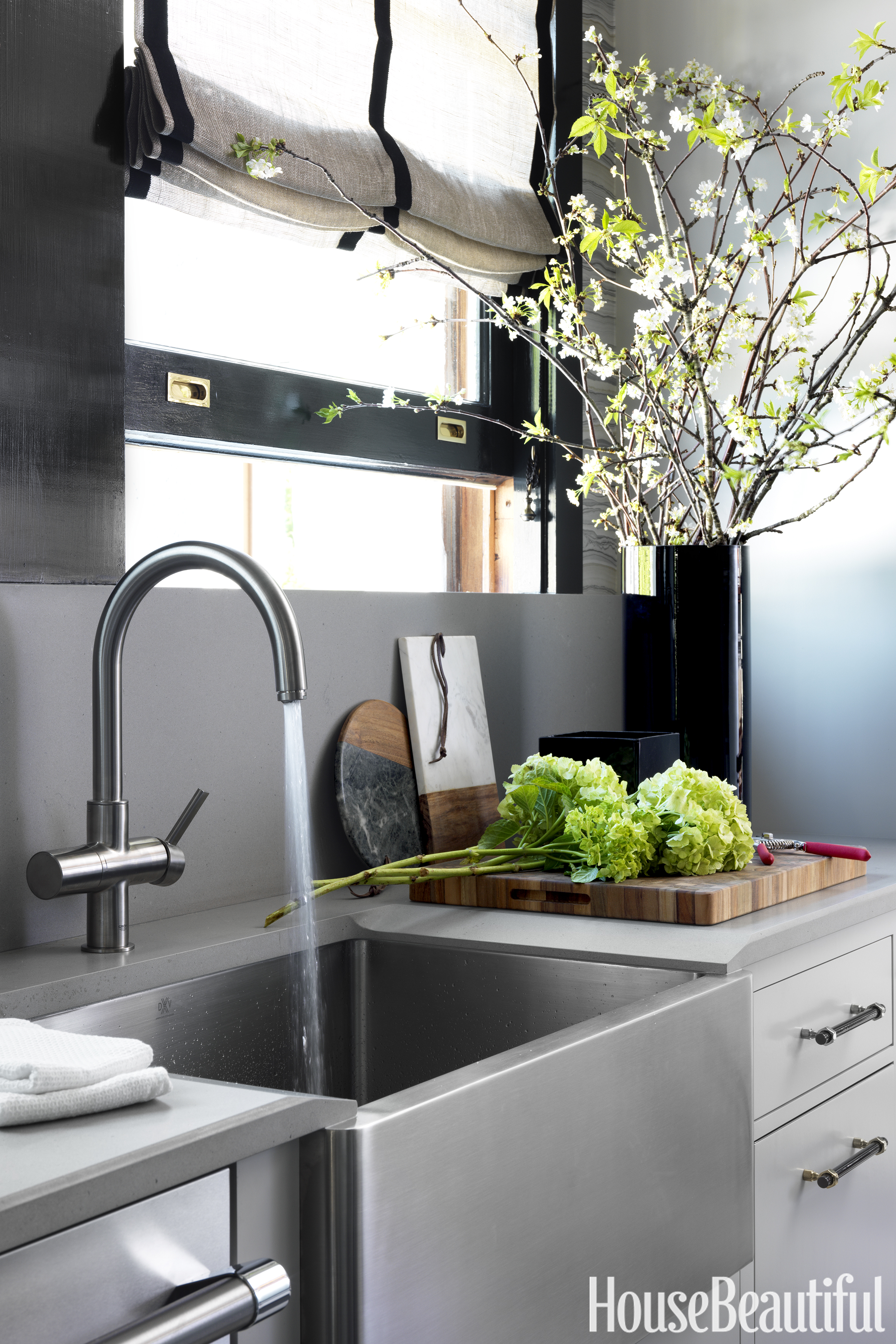 30 Best Small Kitchen Design Ideas - Decorating Solutions ... on Best Small Kitchens  id=60934