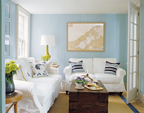 Living Room With Blue Walls. Choosing Interior Paint Colors Advice On